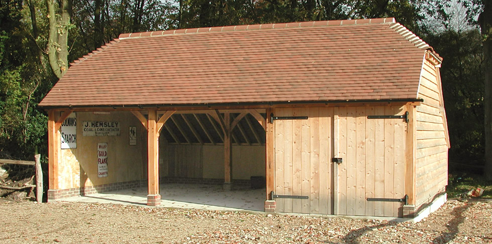 Three Oak Bay With Lockable Garage From The Character